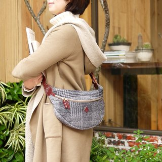Harris Tweed Scotland Handmade Wool Shoulder / Shoulder Bag Gray Made in Japan by CLEDRAN