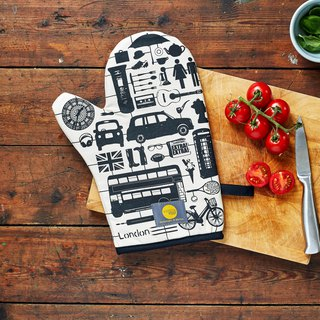 British Egg Cotton Oven Gloves Model London
