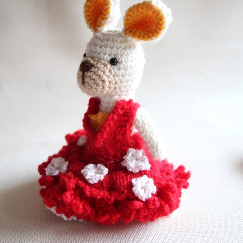 Amigurumi crochet doll: Bride Doll, White Rabbit wear Red Knitting Wedding Dress