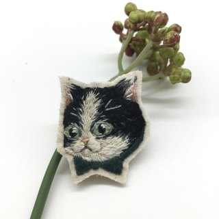 Tearoom I Patrick the Cat embroidery brooch