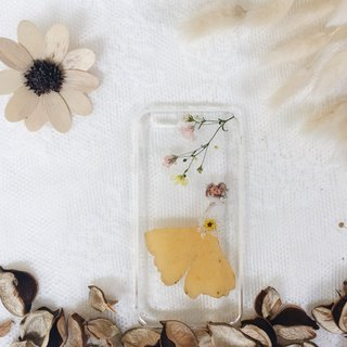 银杏叶少女 • Handpressed Flower Phone Case