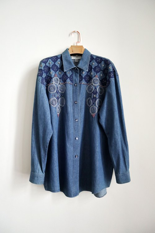 Pumpkin Vintage. Vintage embroidered beaded denim shirt