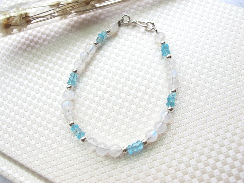 [Little Lightweight] Moonstone x Apatite x 925 Silver - Handmade Natural Stone Series