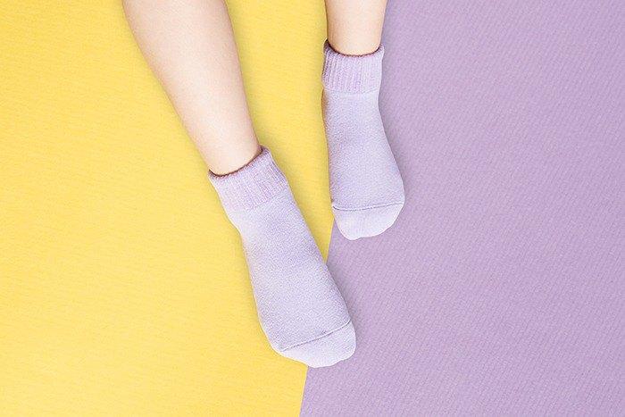 【快速出貨/免運】馬卡龍防滑2分之1童襪(夜空紫)│質感禮盒包裝