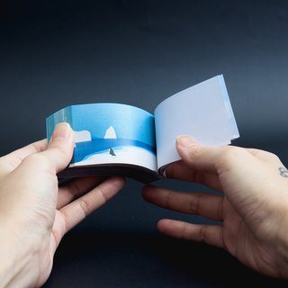 \ Penguin will fly / origami hand flip book