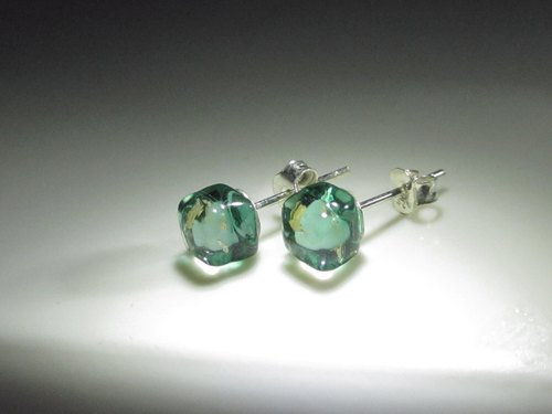 × | gold foil series | × glass earrings - STH ice lake green - [] type