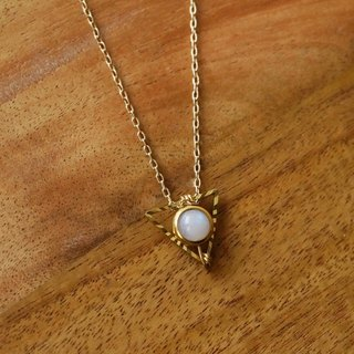 MYTH TINY: Small Triangle Moonstone Short Necklace Crystal Necklace Natural Stone Petite