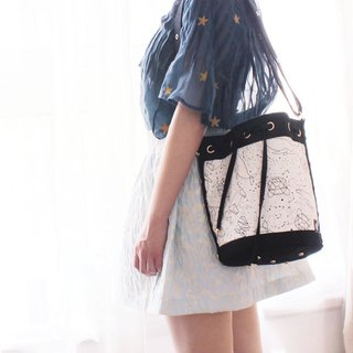 Upgraded version of the exclusive bucket bag original star canvas canvas black and white gift [HOPOTOTO]