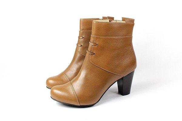 棕 皮帶短靴