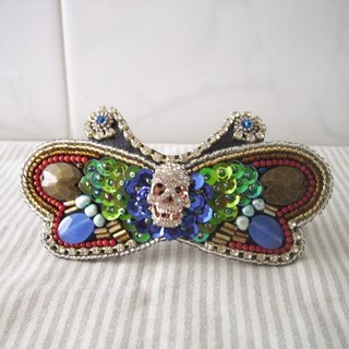 【beads embroidery】 butterfly's barrette  no.5  with skull