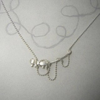 "miaow in a tangle "" silver-white "" ( cat silver pendant necklace 貓 猫 銀 垂饰 )"