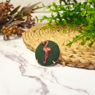 Embroidered cloth brooch_badge_red crane
