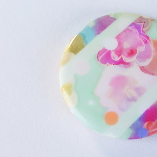 badge brooch pins / love river