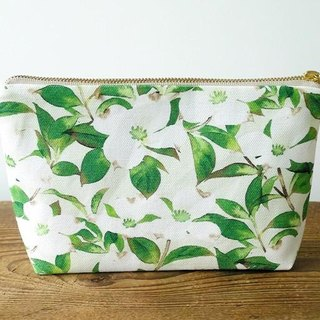 """Dogwood"" handmade accessories pouch of the original pattern"