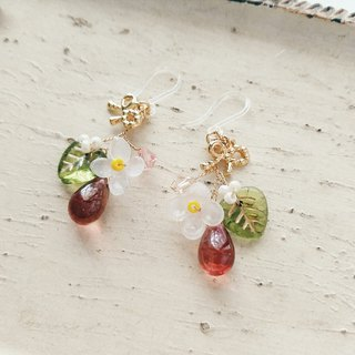 Momolico peach lilac earrings small flower fruit ruby ​​can be clipped