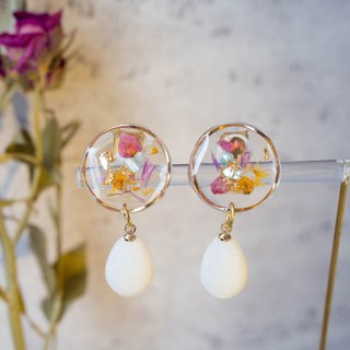 Christmas winter snowball dry flowers without flowers gold foil resin earrings