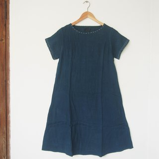Dark indigo dress / hand embroidery - natural dye