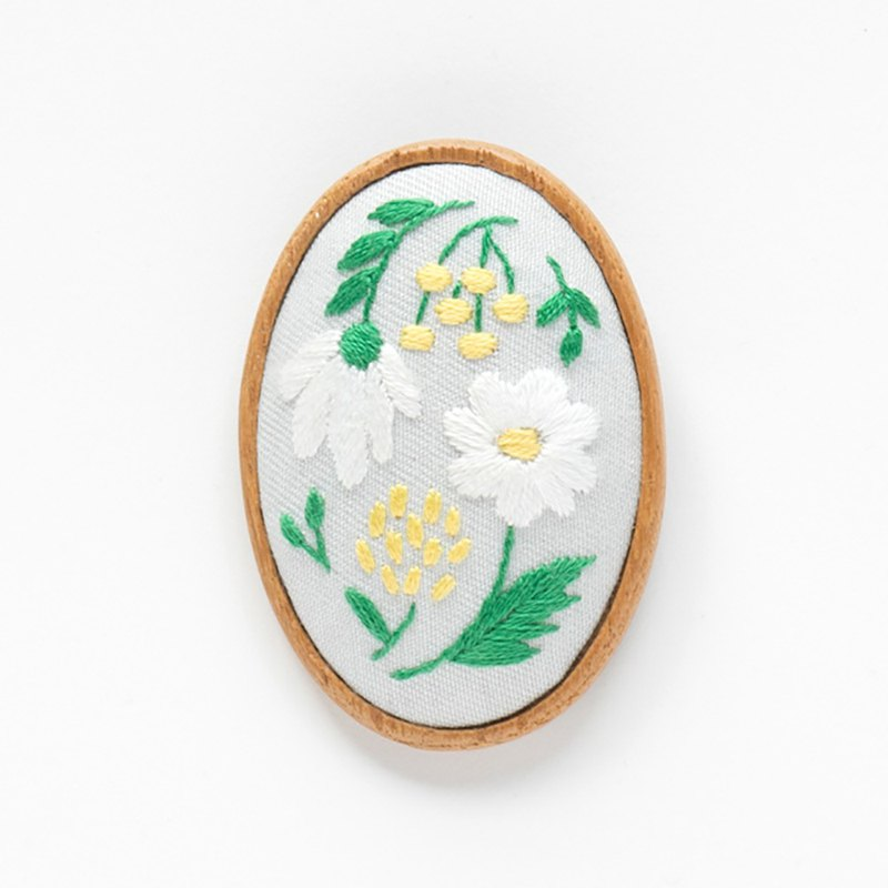 Quiet Lakeside - Embroidery Brooch Kit