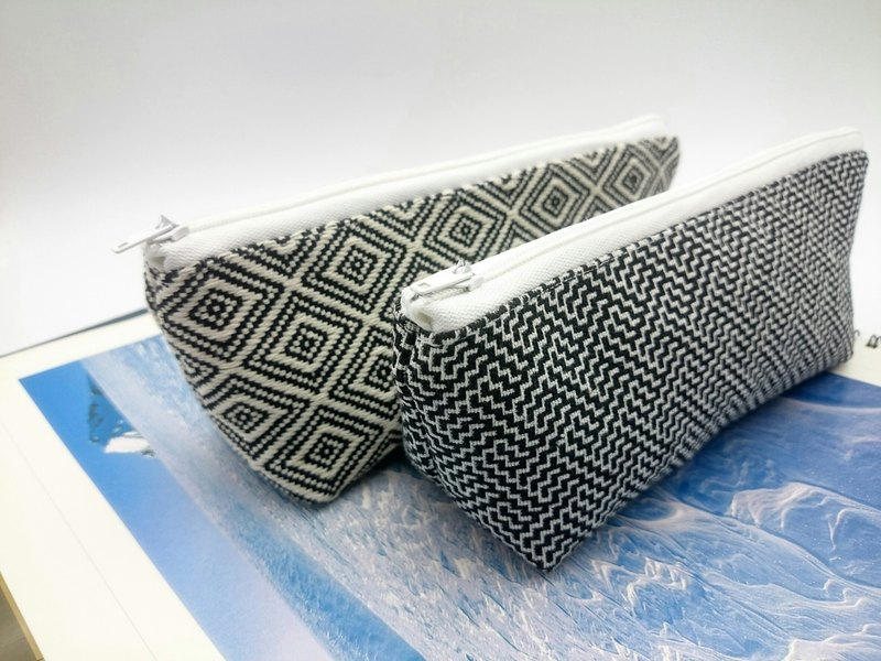 Totem Triangle Pencil Bag Cosmetic Bag*sk*