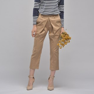 Live pleated slim narrow-neck pants