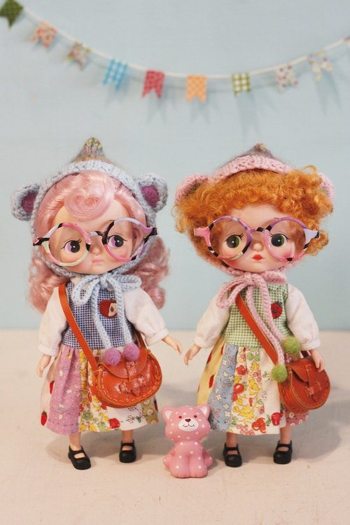 Baby doll with lively color models * Holala, sister minimuichan (MMC) and Neo Blythe Cloth and monchhichi dream odd odd S size (20cm) can wear