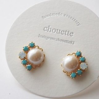 Pearl Bijou earrings and pierced turquoise