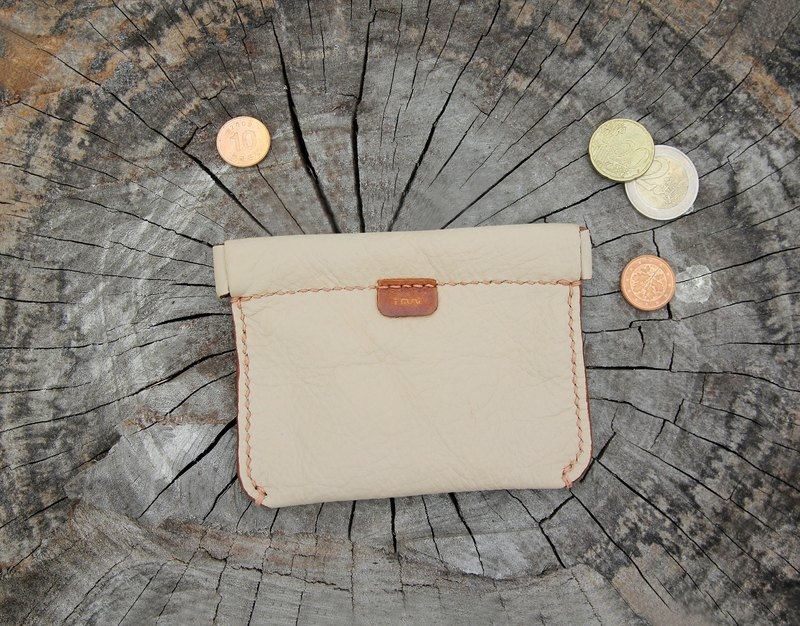 Milk beige mouth gold spring hand bag
