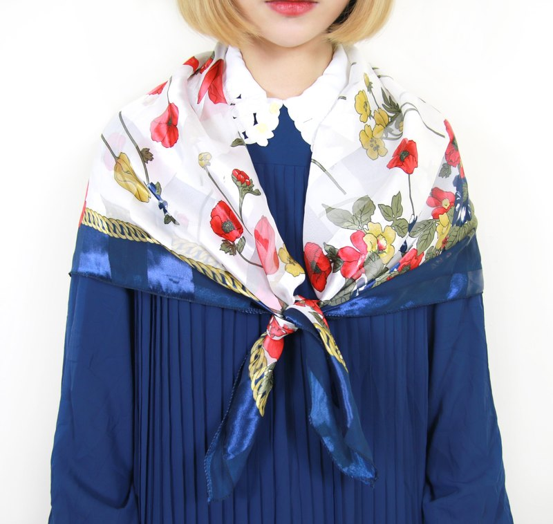 Back to Green :: Japanese classical and blooming floral scarves translucent vintage scarf (SC-02)