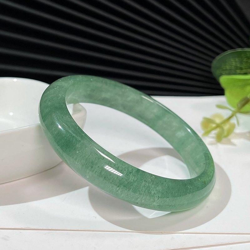 冰透綠草莓晶手鐲54M 星光熒光千層紋綠色水晶手環 水潤清新自然