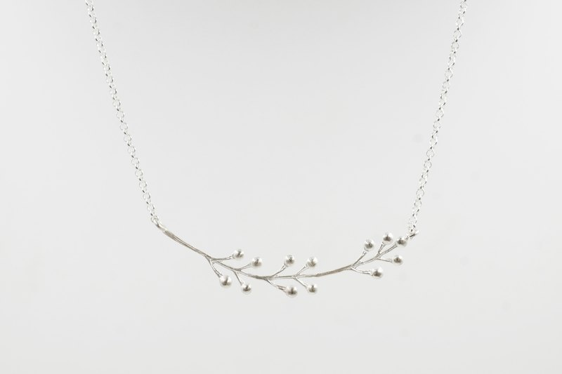 I-Shan13 | Dotted Grass Necklace Single Leaf