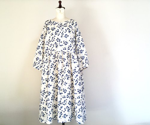 Bouquet * Floral Pattern Raglan Dress * Double Gauze * Cotton 100% * Blue Perfume