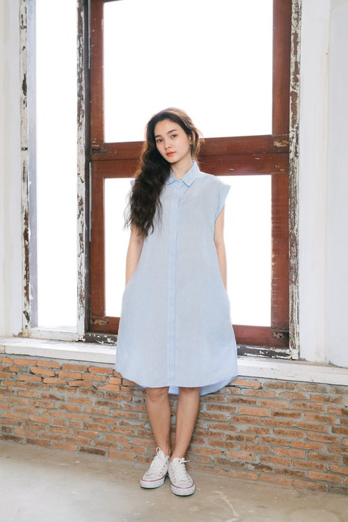 Shades Of Sky Linen Dress
