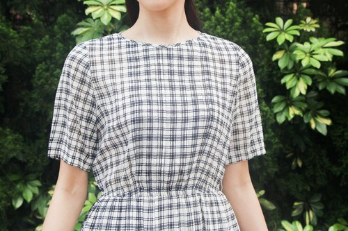 …{DOTTORI :: DRESS}Classic Black and White Checkered Dress
