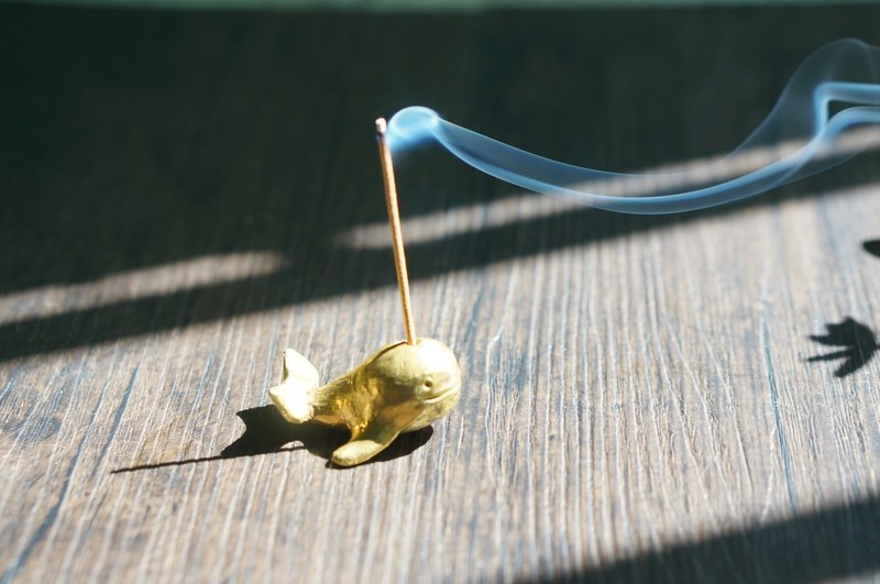 [溪山手作] handmade brass dolphin fragrant inserted tea pet ornaments small sculpture