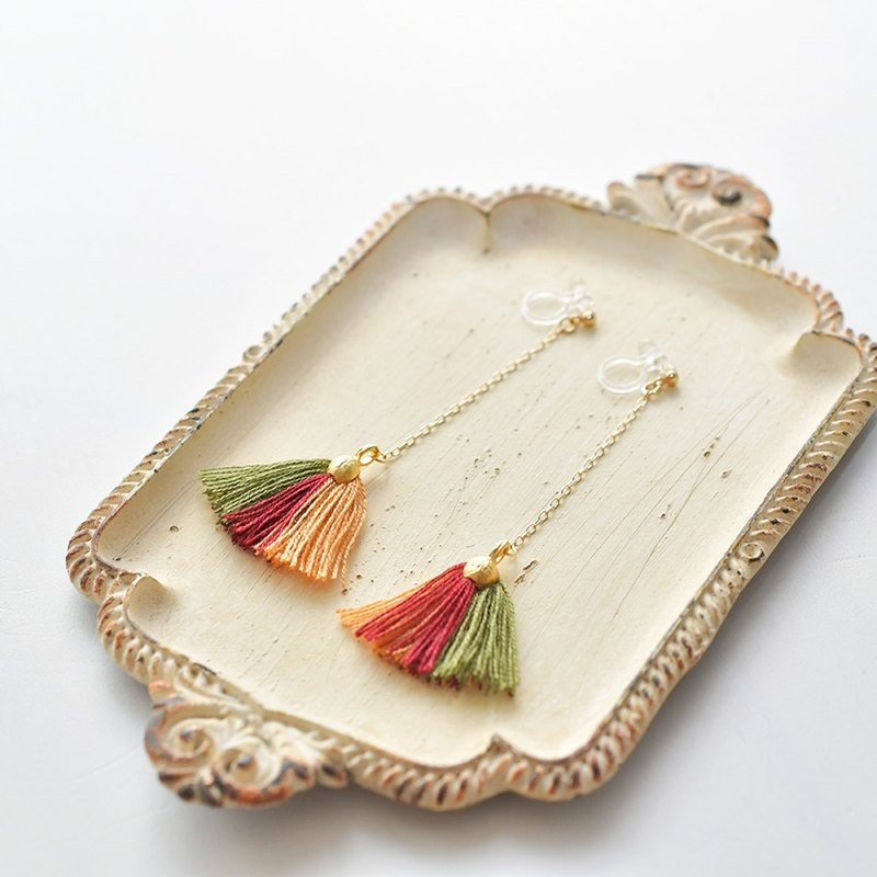 Tassel earrings shell / Autumn