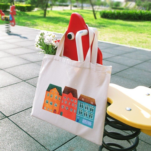 Small house horizontal canvas bag