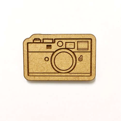 wood brooch -Classic camera