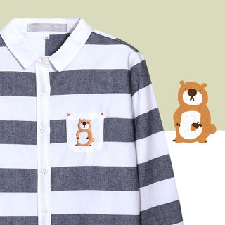 [Infant recommended] squirrel posing as a small raccoon - rough striped embroidery pocket shirt