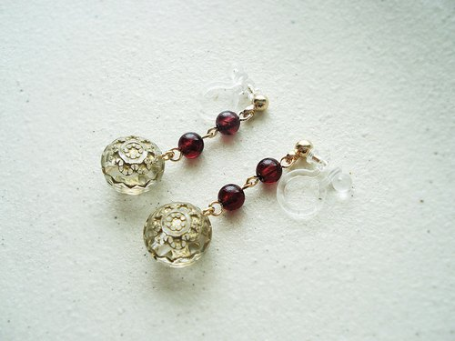 Garnet, antique style clip on earrings 夾式耳環