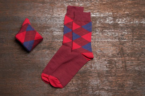 Lin Guo Liang Ling Scottish gentleman socks wine red