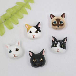Cat brooch (pin / magnet) | hand | animal | accessories | jewelry |
