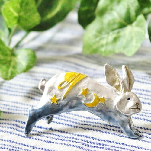 Sky Rabbit (Blue) Yozorausagi (Blue) / pin brooch PB054BL