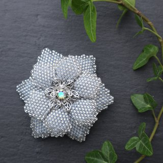 Beaded Flower Brooch (Ice Blue)