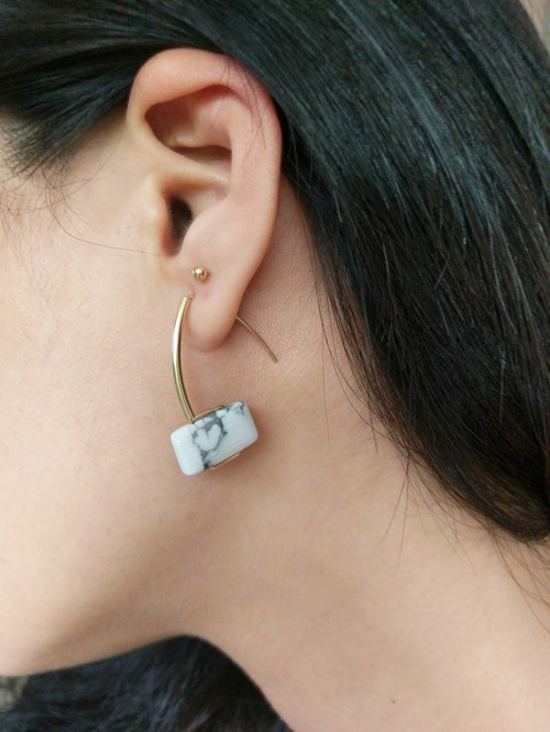 Tilda Minimalist White Howlite Earrings