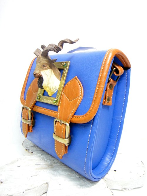TIMBEE LO << paragraph >> custom hand-made blue and pink beige striped bottom edge silver antelope head decoration mini bag retro handbag handle
