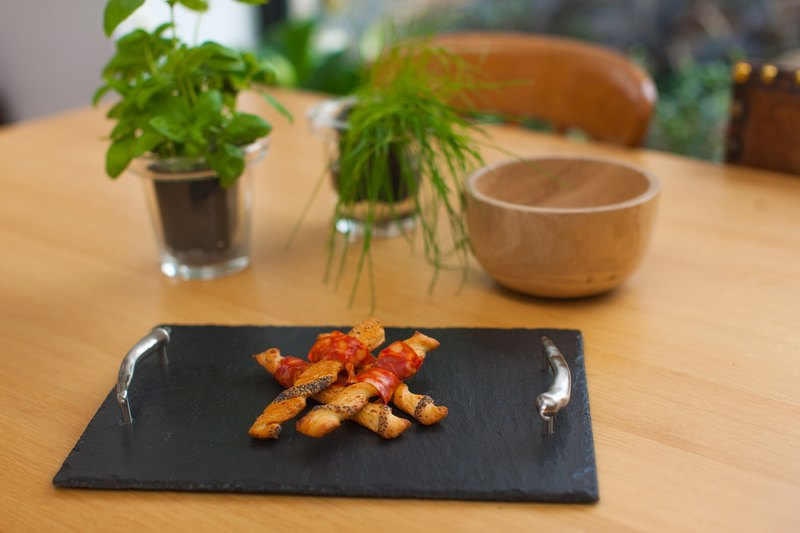 【UK】●Medium Serving Tray with Chilli Handles●  The Just Slate Company