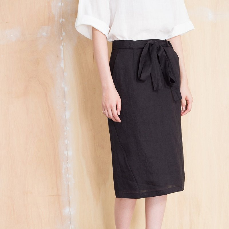 Line stitching pencil skirt
