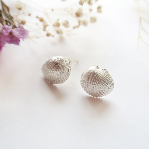 925 Silver Snow-white Shell Earrings-Sold as a Pair