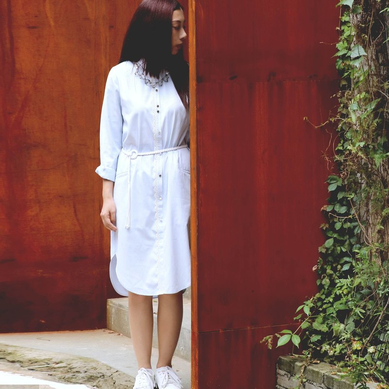 Light blue color stripe weave fabric long shirt dress with white belt
