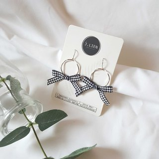 Plaid cloth girl - silver ring black and white ear needle / ear clip handmade earrings Korea direct